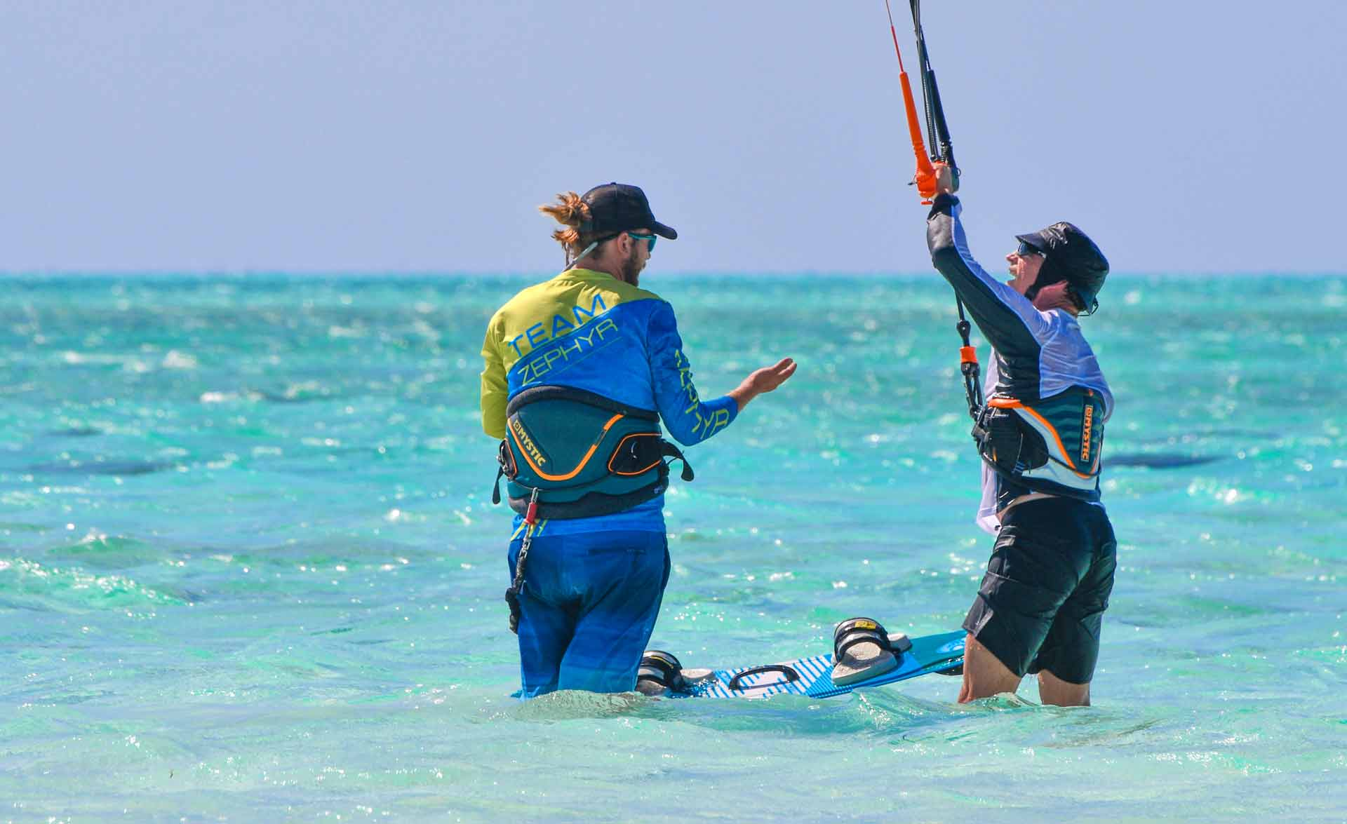 kitesurfing-lessons-sunshine-coast-ocean-addicts-kite-lessons-maroochydore